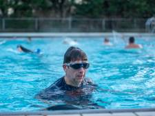 Zwemmen in Alphens buitenbad is hot, dus gaat het nog meer uren open