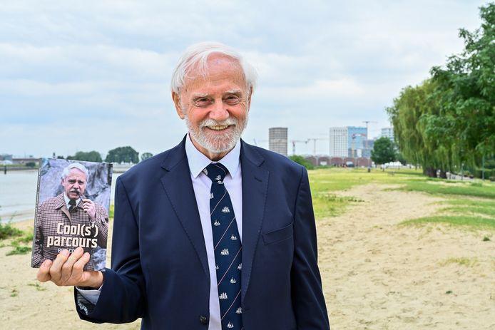 240662021 Antwerpen cools    Ere burgemeester van Antwerpen Bob Cools stelt boek voor