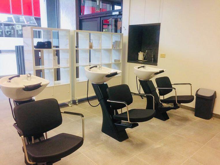 Het kapsalon van de opleiding Haarstilist, de kappersopleiding van Portus Berkenboom in de Kalkstraat, is volledig vernieuwd.