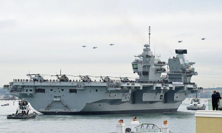 Van het Britse vliegdekschip HMS Queen Elizabeth zouden F-35B gevechtsvliegtuigen en helikopters de twee schepen die Groot-Brittannië naar de Zwarte Zee stuurt kunnen ondersteunen. Beeld EPA