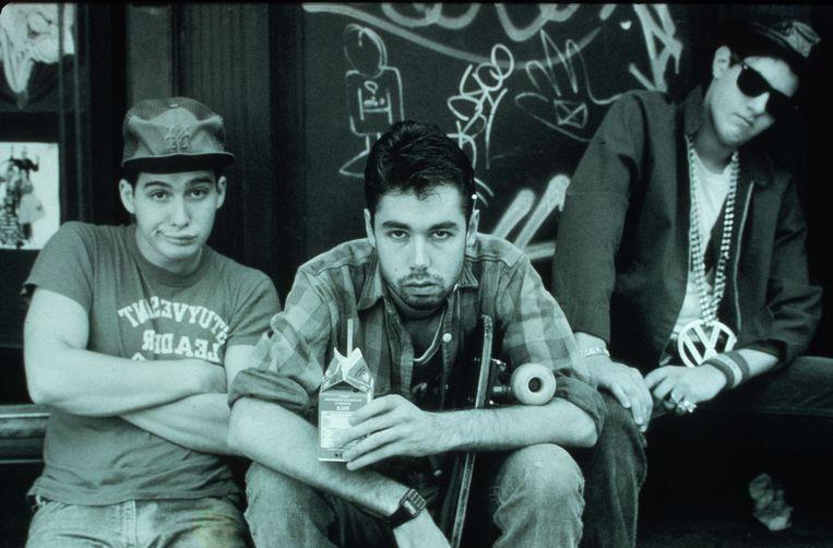 Beastie Boys in 1986. Van links naar rechts: Adam 'Ad-Rock' Horovitz, Adam 'MCA' Yauch, en Michael 'Mike D' Diamond. Beeld BELGAIMAGE