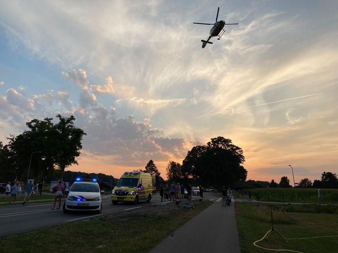 Na een ernstig ongeval op de Vordenseweg tussen Warnsveld en Vorden is een traumahelikopter opgeroepen.