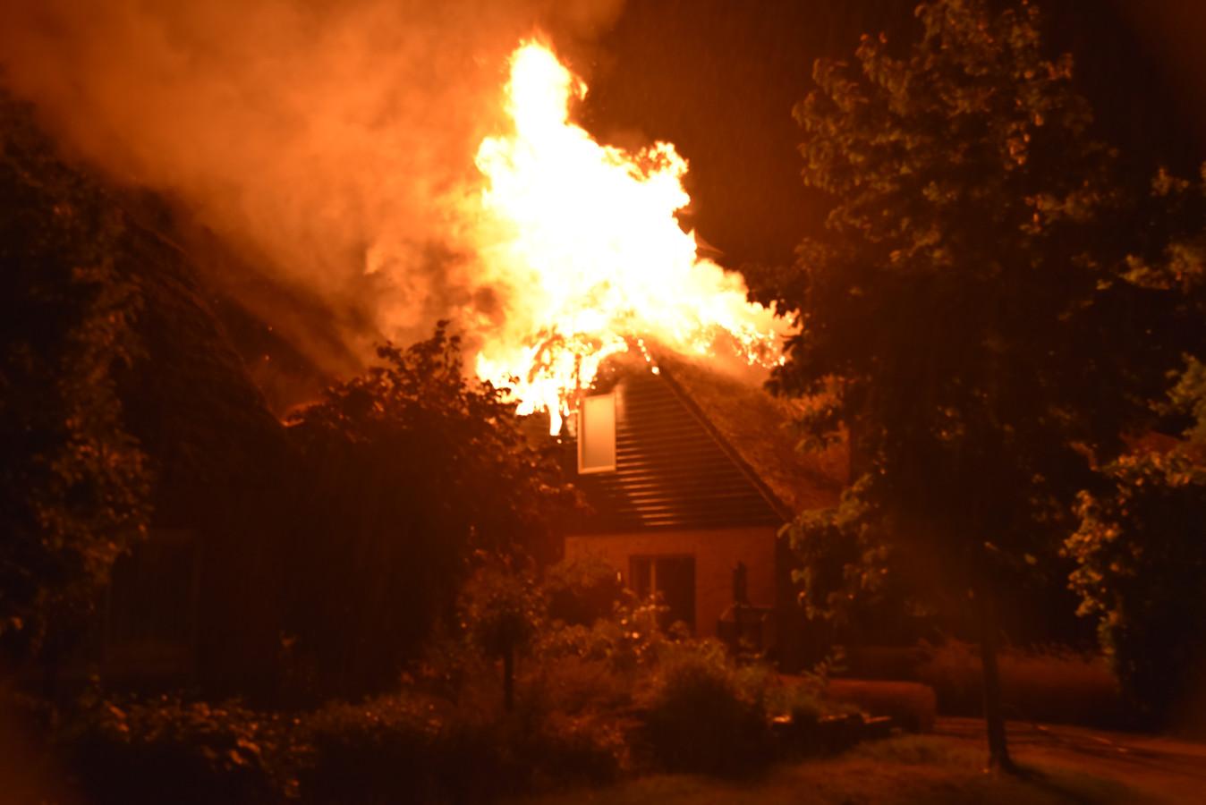 Uitslaande brand in Beuningen.