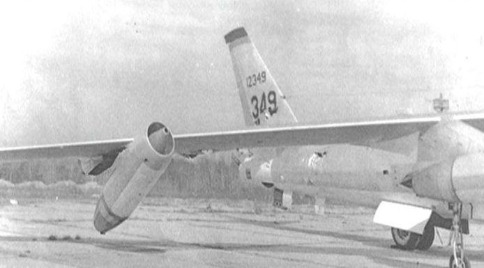 De gehavende B-47 bommenwerper die de nucleaire bom boven de Atlantische oceaan dropte. © This Day in Aviation