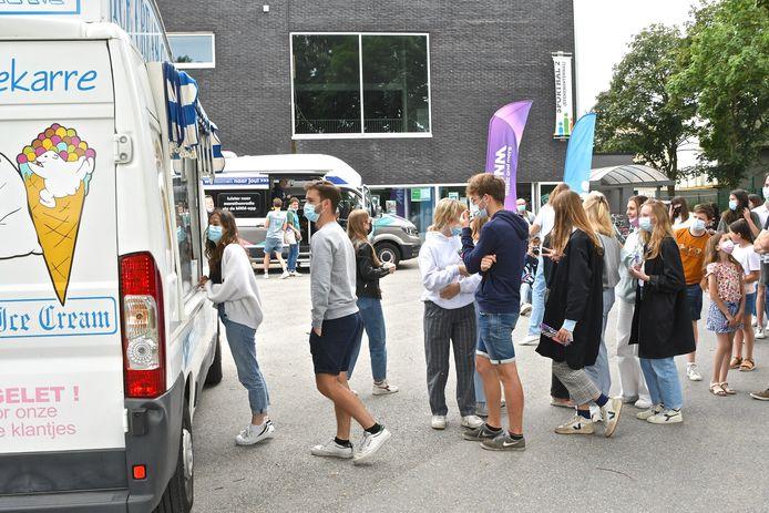 De studenten in Ingelmunster werden verrast door de MNM Pauzemobiel.