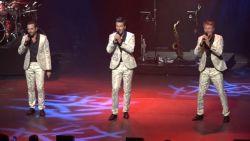 VIDEO. De Romeo's vieren 15-jarig bestaan met spetterend optreden