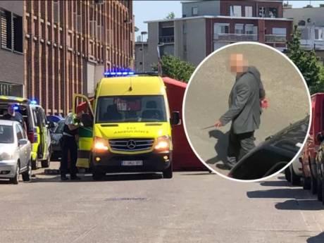 Un homme poignardé à mort près d'une école à Anvers, le suspect filmé couteau à la main