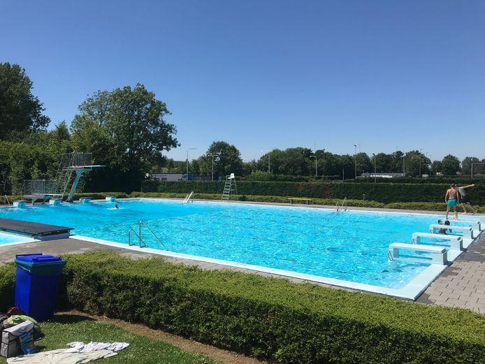 Het zwembad van Koewacht. Een van de vele in de gemeente Terneuzen.