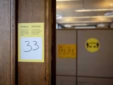 Universiteiten boos op besluiteloos kabinet: 'Er is maar één scenario, anderhalve meter afschaffen'