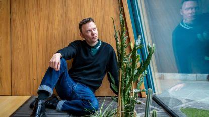 Alex Callier is z'n wenkbrauwen kwijt door alopecia areata: dr. Ilan Karavani legt uit hoe dat precies zit