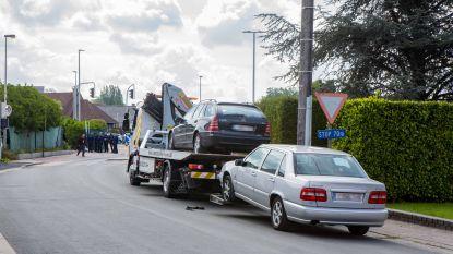 """Huiszoekingen bij de DIV in dossier van bende autodieven: """"Werknemer heeft mogelijk geholpen om gestolen voertuigen wit te wassen"""""""