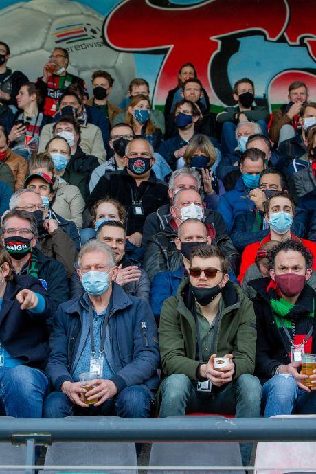 Mogelijk besmetting tijdens proef NEC - De Graafschap, 82 procent van fans liet zich na afloop testen