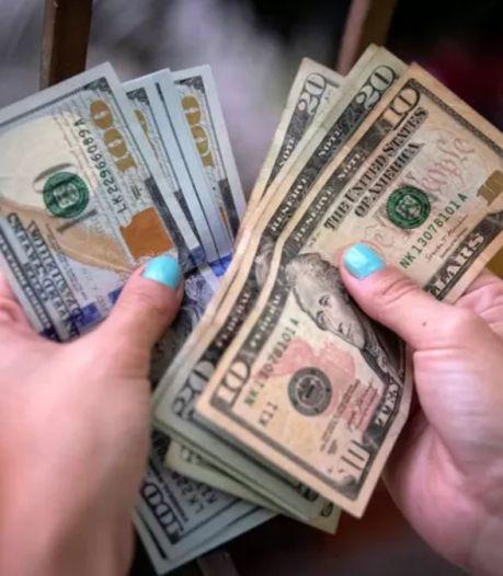 Une Américaine arrêtée après avoir dépensé 1,2 million de dollars transférés par erreur sur son compte