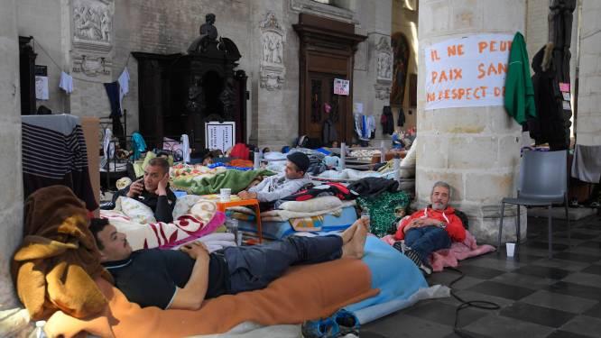 """Brusselse hongerstakers zonder papieren eindigen in ziekenhuis: """"Dit is weinig zinvol"""""""