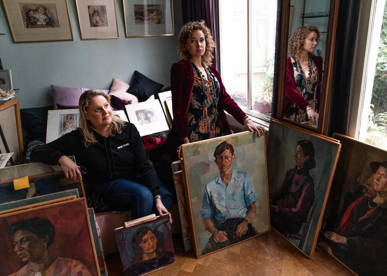 Renée Stotijns dochters Zaphira Bor (rechts) en zus Esmee (links) Beeld Lin Woldendorp