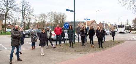 Bewoners N640 vrezen nog meer ongelukken als Etten-Leur een woonwijk tegen Hoeven aanbouwt