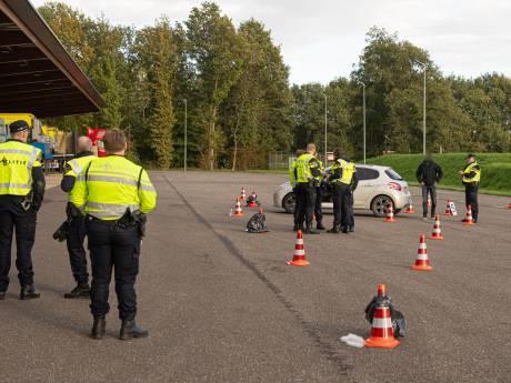 Boetes niet betaald? Auto in beslag genomen bij controle in Baarn en te voet verder