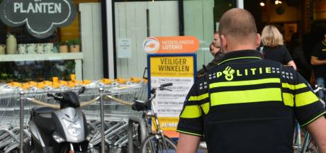 Vrouw (52) steelt toch weer blikje knakworst en twee pakjes jus bij Jumbo Deventer: 'Ze had zichzelf en God beloofd het niet meer te doen'