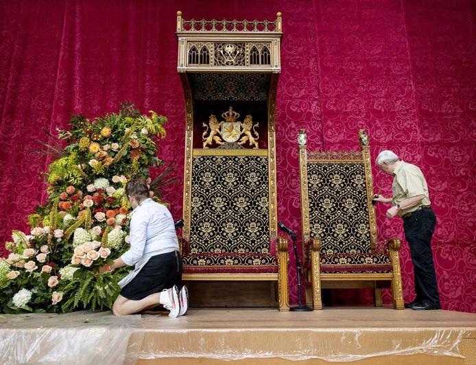 Voorbereidingen in de Grote Kerk in aanloop naar Prinsjesdag.
