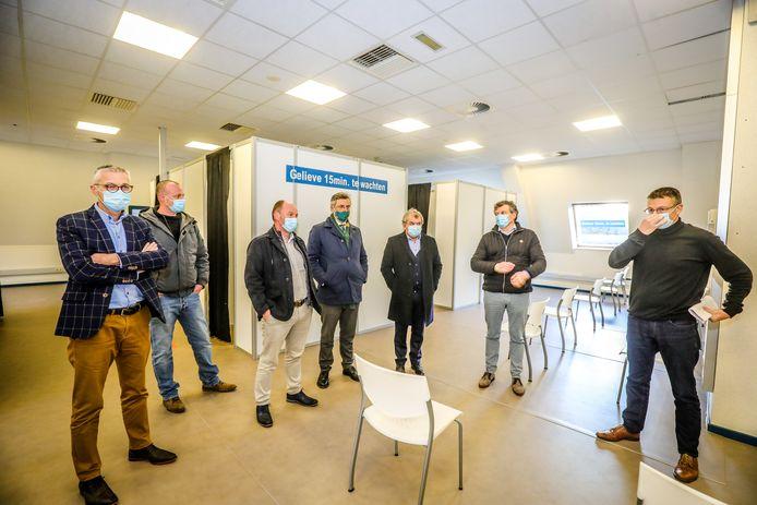Het AZ Alma ziekenhuis in Damme Sijsele is nu een vaccinatiecentrum.