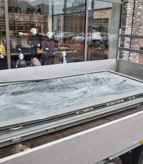 Net open, toen corona, nu een ramkraak op haar winkel: 'Maar mij krijgen ze niet kapot'
