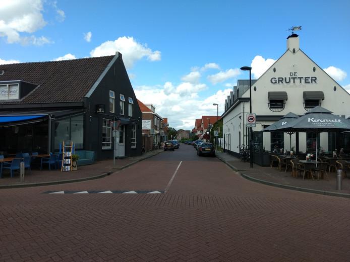Vanuit deze kant kun je nog wel de Prins Bernhardstraat in Asten inrijden.