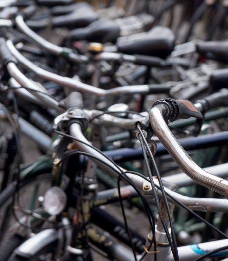 Man dumpt fiets met doorgezaagd slot bij station, politie vindt slijptol in fietstas