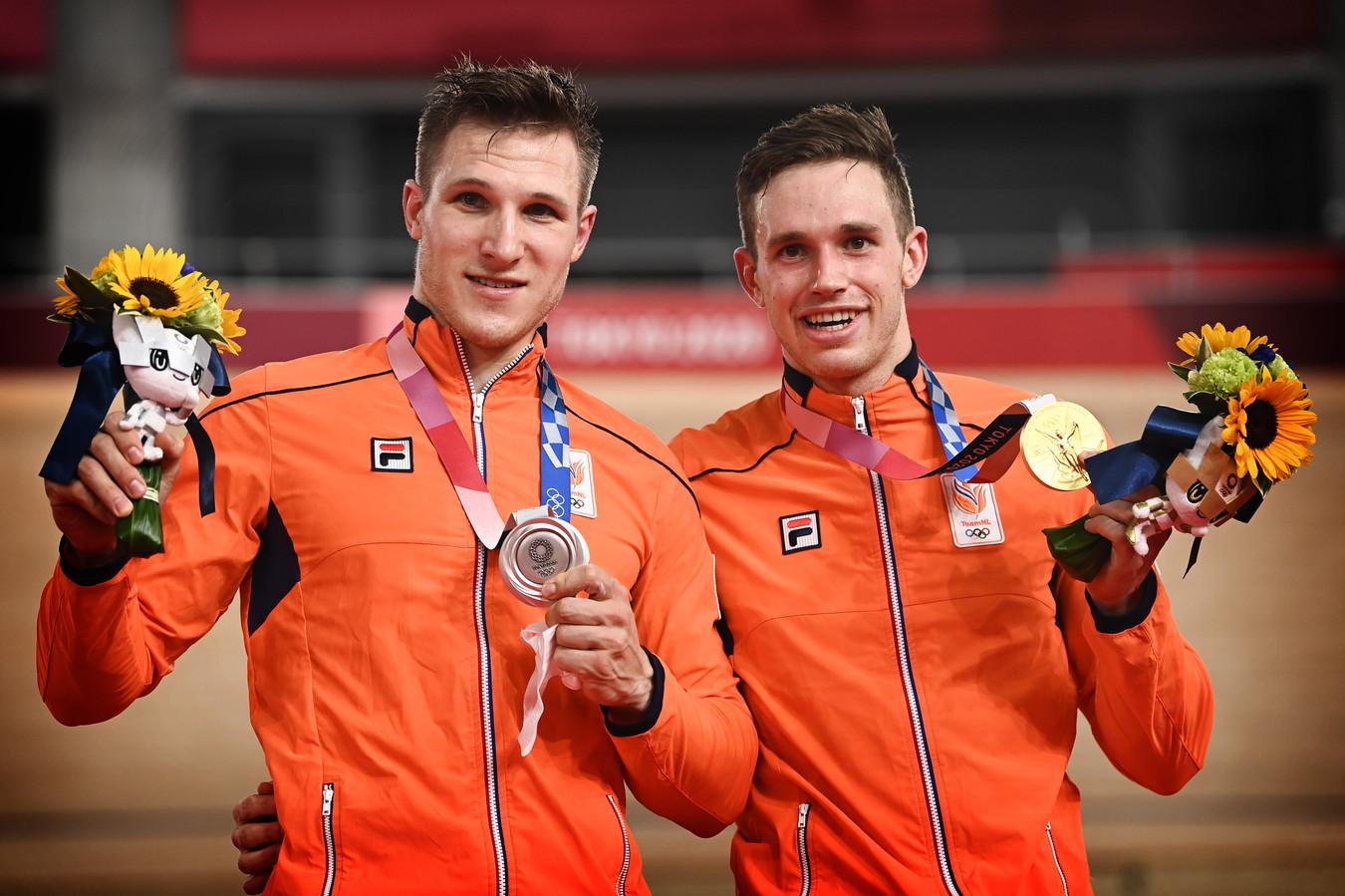 Medaillewinnaars Jeffrey Hoogland (l) en Harrie Lavreysen.