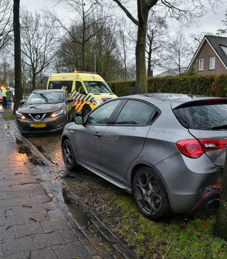 Automobilist ramt geparkeerde auto in Goirle