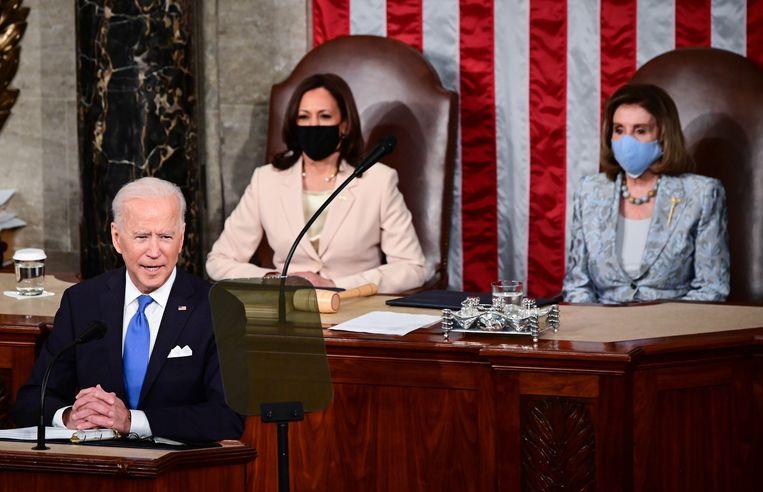 Joe Biden, Kamala Harris en Nancy Pelosi in het Congres. Beeld EPA