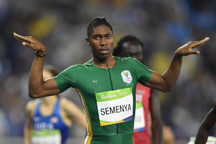 Semenya juicht na haar gouden race in Rio.