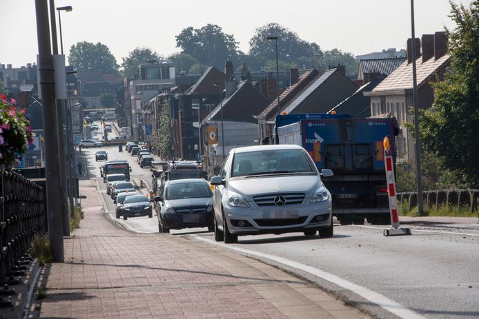 Door de werken op de Scheldebrug moet het verkeer over één rijstrook.
