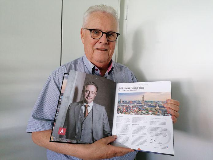 """Antwerpenaar Freddy Arnauts schreef het boek op minder dan een jaar tijd: """"Dankzij mijn brede netwerk heb ik het landschap uitgebreid in kaart kunnen brengen"""""""