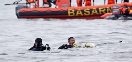 Jakarta vindt zwarte dozen van in zee gestort vliegtuig