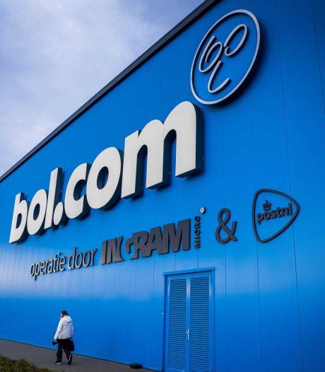 Bol.com neemt moeilijk besluit en stopt met verkoop 'haatboeken'