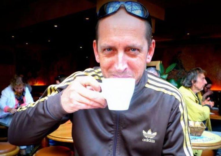 Michel Cleutjens (52) wou tussenkomen toen een vriendin werd lastig gevallen op café.