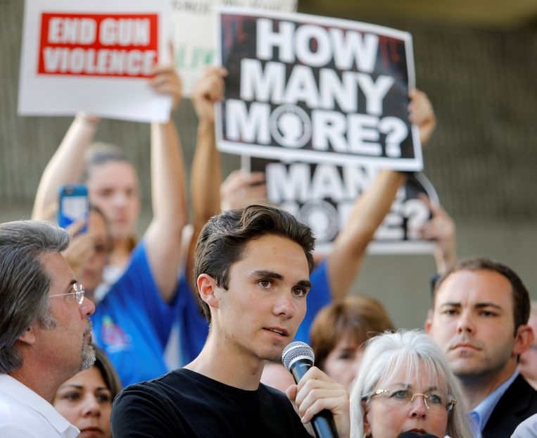 David Hogg, a 17-year-old student at Marjory Stoneman Douglas High School in Parkland, Fla., has called on lawmakers to enact tougher restrictions on guns. Beeld REUTERS