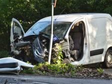 Jongeman (18) uit Roosendaal overleden bij botsing in Rucphen, ander (19) zwaargewond