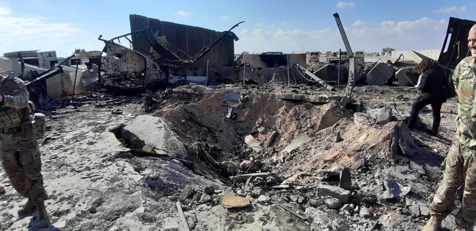Soldats américains, mardi, sur la base attaquée par l'Iran