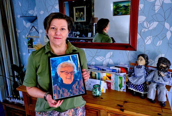 """Annet Olijve had een bijzonder goede band met haar moeder. ,,We maakten samen verre reizen. Het was een ontzettend lieve vrouw."""""""