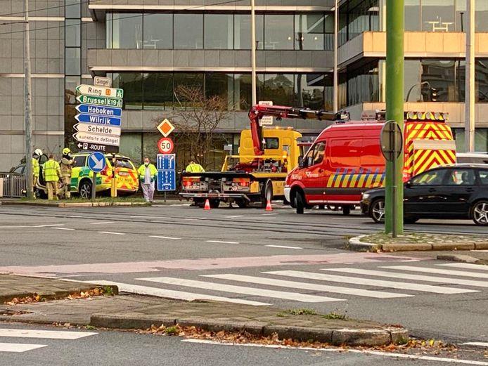 Het kruispunt van de Grotesteenweg met de Singel is een zwart punt. Een zwaar ongeval eind oktober vorig jaar illustreerde dat pijnlijk genoeg.