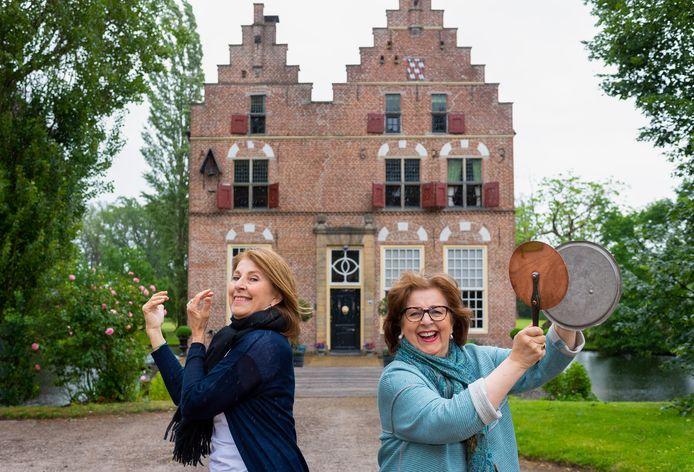 Jeanne en Catherine Kamerlingh Onnes nemen het beheer van kasteel Vosbergen over van hun moeder.