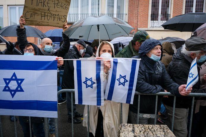 Zondag voerden enkele honderden mensen actie aan de Israelische ambassade.