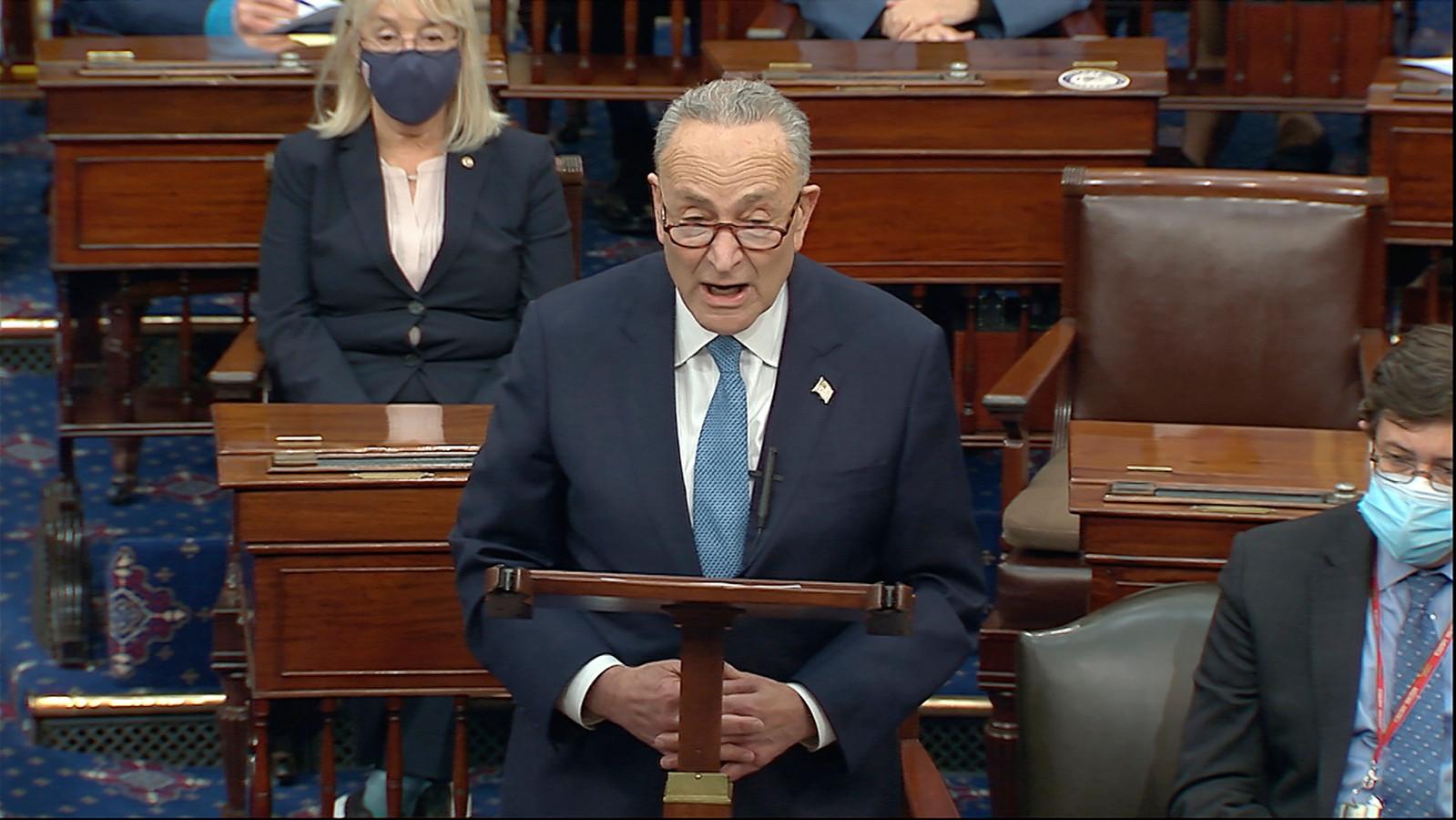Chuck Schumer tijdens zijn toespraak in de senaatszitting.