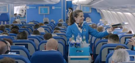 KLM schrapt per vlucht een steward 'voor meer service'