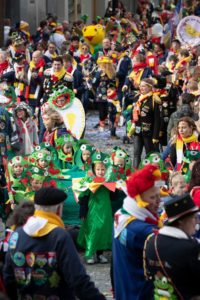 De kinderoptocht in Oeteldonk, een evenement op de dinsdag van het carnaval
