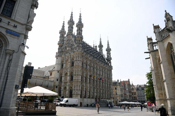 Het historische stadhuis op de Grote Markt is één van de Leuvense toeristische parels.