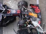 Samenvatting | Hamilton rekent dankzij strategische zet af met Verstappen