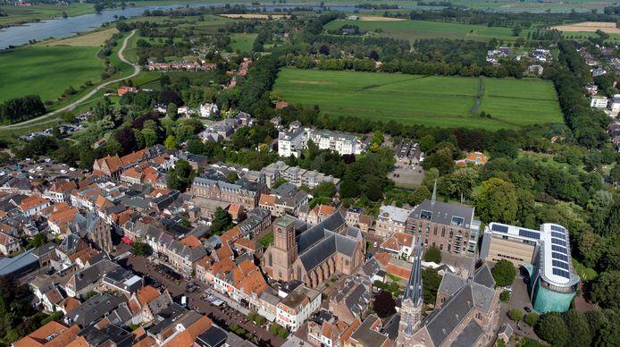 Kroondomein De Volencampen achter de binnenstad.