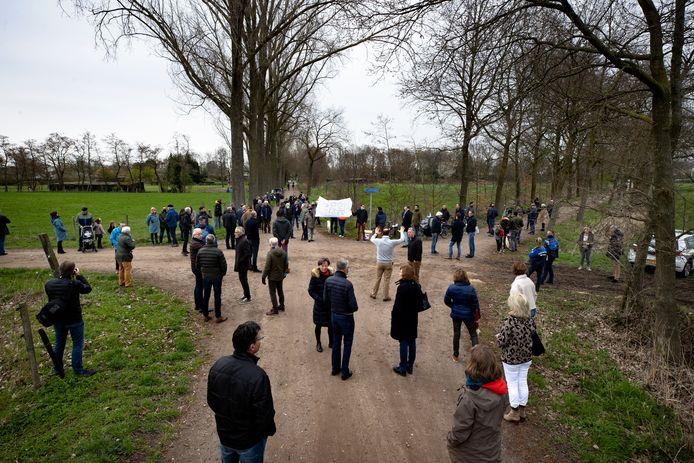 De manifestatie tegen de plannen voor een zonneweide in het buitengebied van Stiphout.